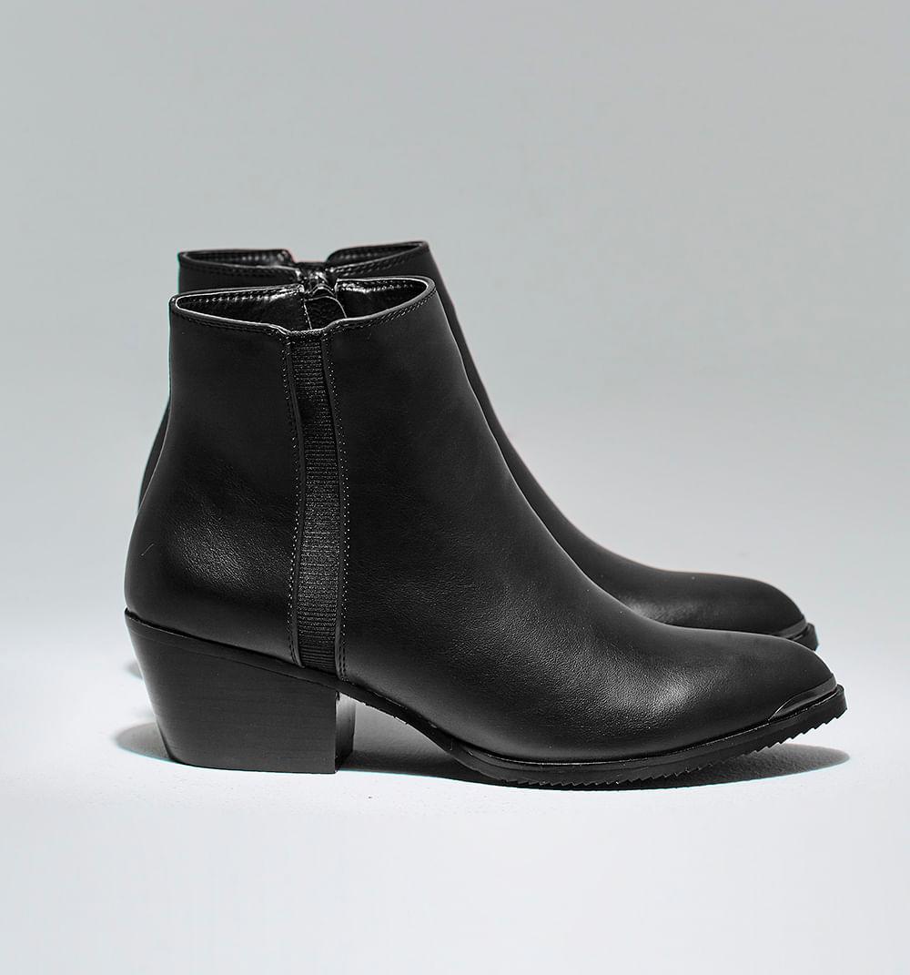 zapatoscerrados-negro-s084738-1