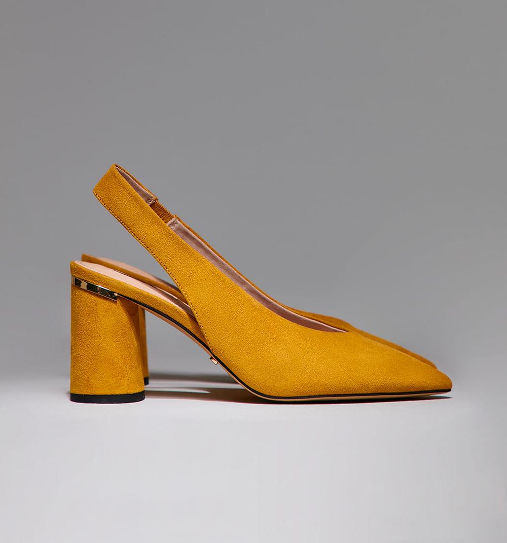 zapatoscerrado-amarillo-s361385-1
