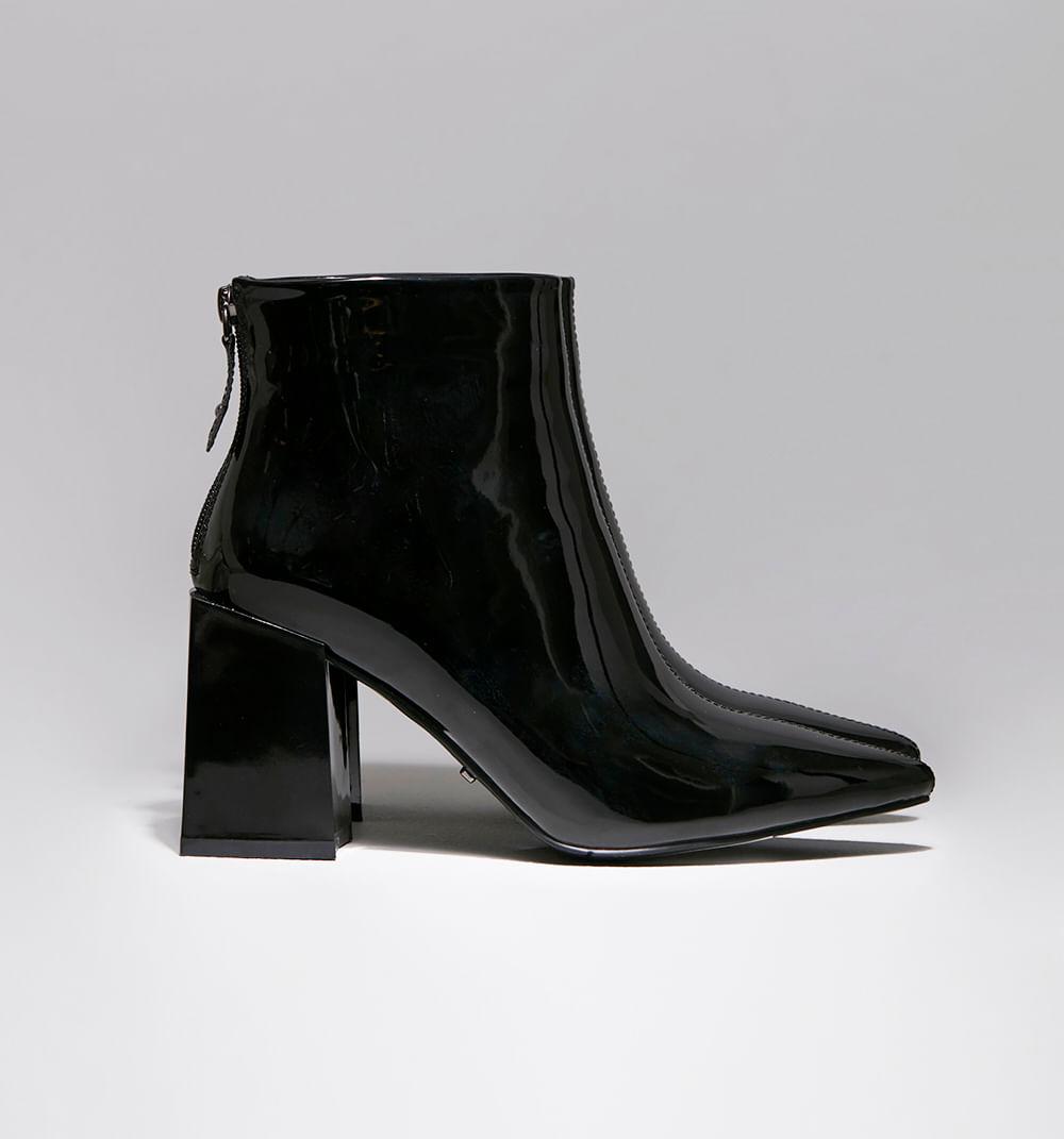 zapatoscerrados-negro-s084756-1