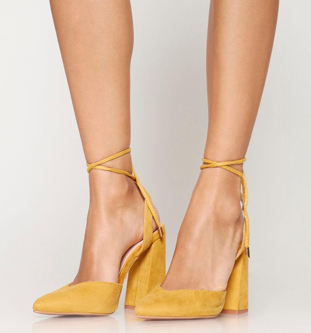 zapatoscerrados-amarillo-s361377-1