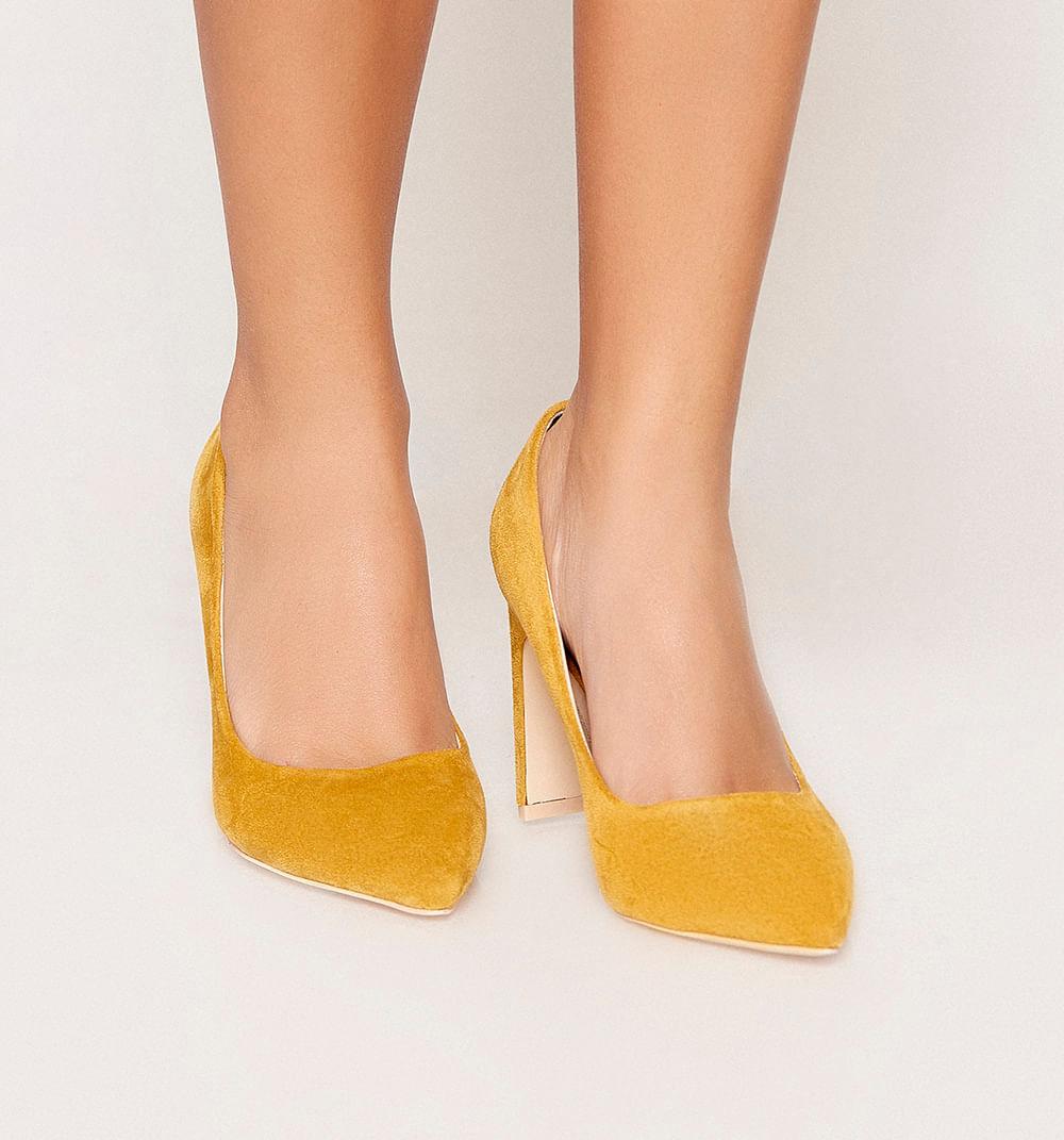 zapatoscerrados-amarillo-s361395-1